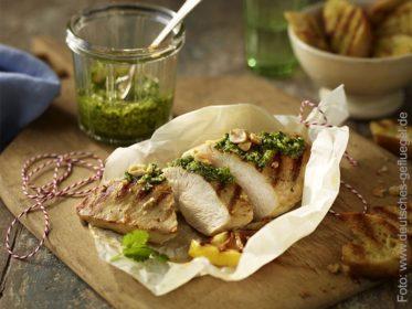 Hähnchenbrustfilet mit Koriander-Pesto